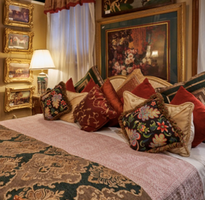 Baroque Comforter and Room Decor